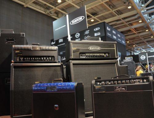 5 bass combo amp for small gigs that will make you a guitar god bass guitar hub. Black Bedroom Furniture Sets. Home Design Ideas