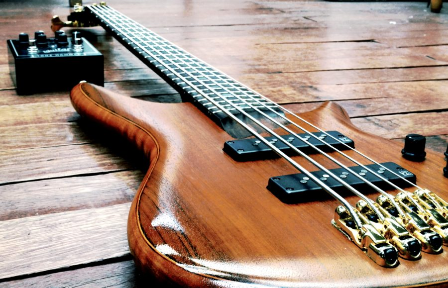 short scale 5 string bass guitar do they exist bass guitar hub. Black Bedroom Furniture Sets. Home Design Ideas
